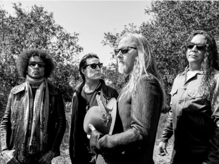 Concerti sopra le righe: gli Alice in Chains sullo Space Needle e Jack White in fabbrica – SCALETTA