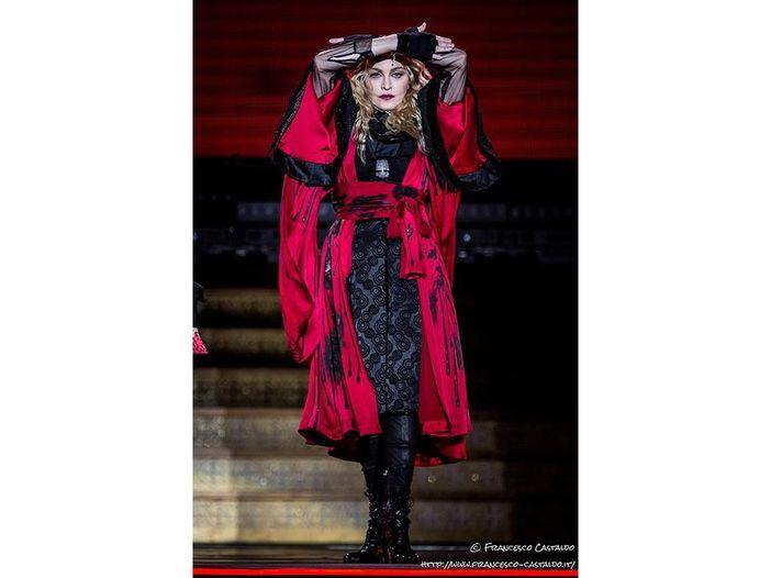 Madonna, esibizione dal vivo ai Brit Awards 2015 - VIDEO