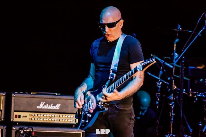 Joe Satriani sta lavorando alla realizzazione di due album