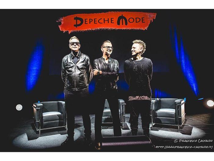"""Depeche Mode: la nuova """"Where's the revolution"""" dal vivo - VIDEO"""