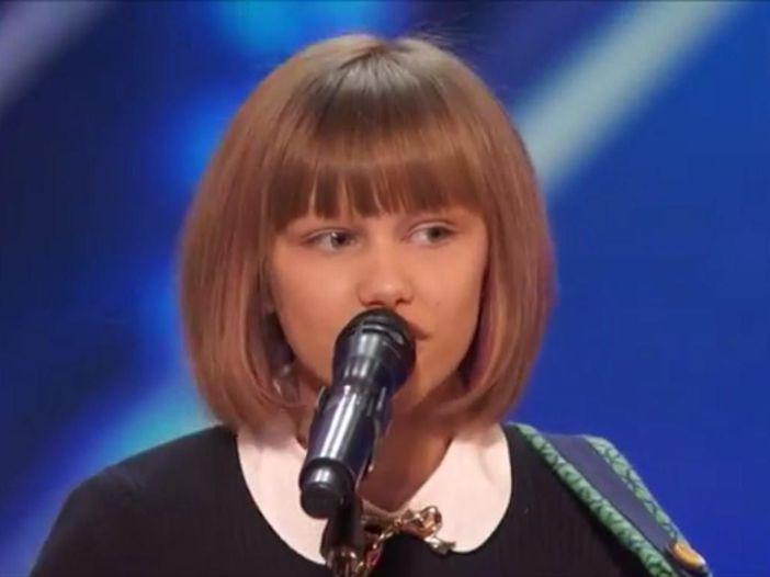 America's Got Talent: alle audizioni non solo il vecchietto, anche la nuova Taylor Swift - GUARDA