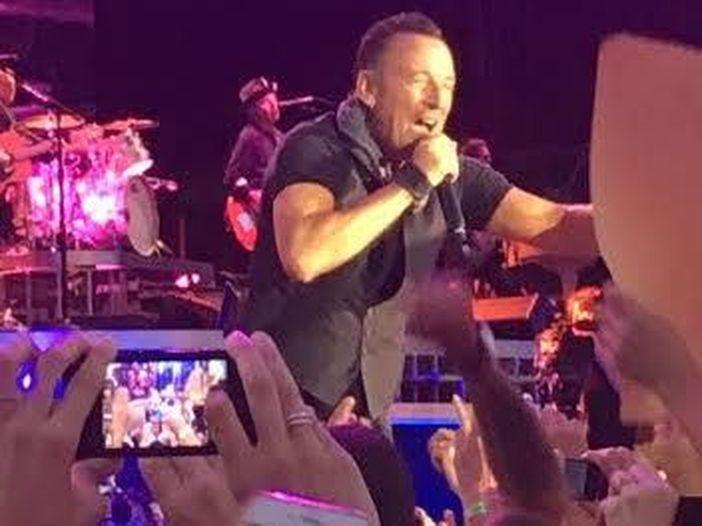 Bruce Springsteen tiene a battesimo la riapertura dello storico Asbury Lanes - VIDEO
