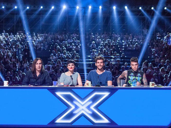 X Factor e i nomi degli autori delle canzoni: un silenzio assordante