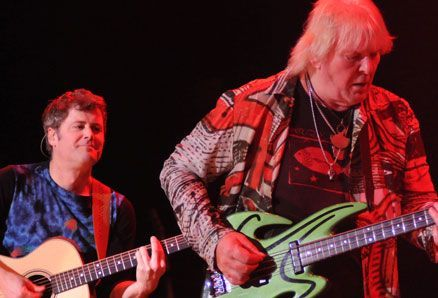 Chris Squire (Yes) mangia a spese di un fan