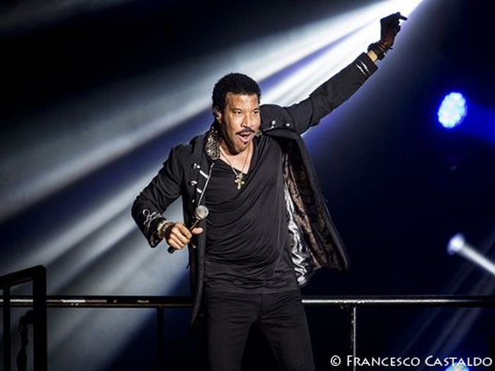 Classifiche, Billboard album chart: Lionel Richie 1°, entra alto Jason Mraz