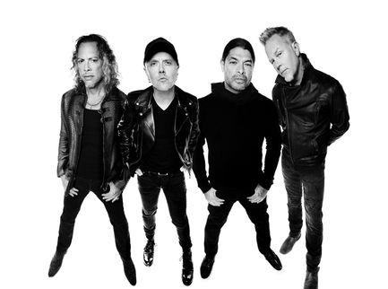 Metallica, per il 30esimo anniversario del 'Black Album' una riedizione e un tributo con Elton John, Miley Cyrus e altri