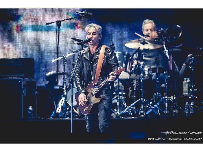 Ligabue: ancora problemi di salute, rinviati i concerti romani del 'Made in Italy' tour. Lui: 'Mi hanno trovato un edema alle corde vocali'