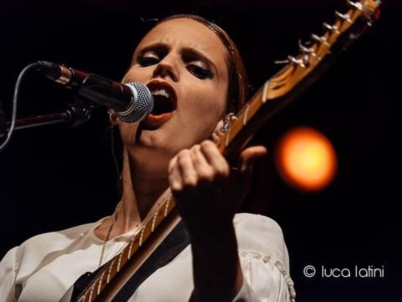 Accadde nel rock, oggi 24 settembre: Anna Calvi, Linda McCartney, Nirvana