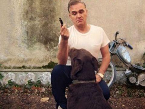La Harvest risponde a Morrissey e smentisce: lui è ancora sotto contratto