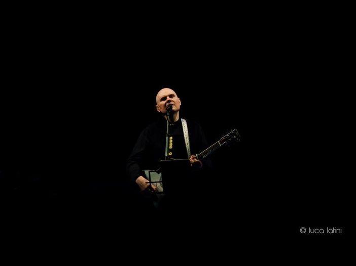 Smashing Pumpkins: Billy Corgan sogna di far pace con gli ex membri della band, critica i social e scrive il nuovo tema della TNA - ASCOLTA
