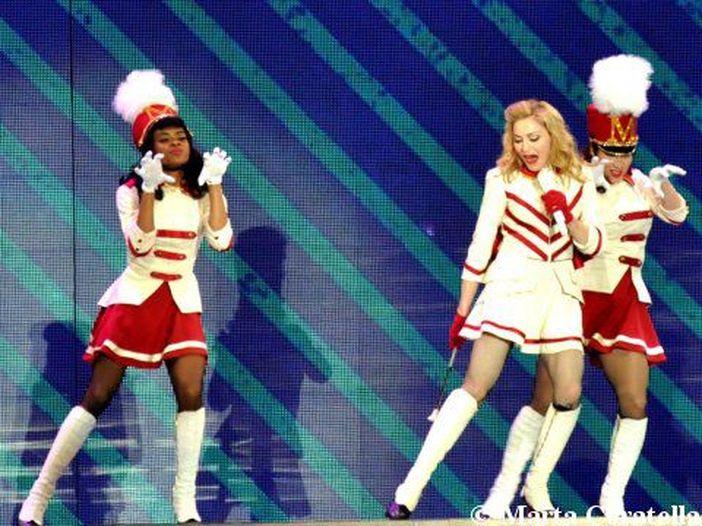 """Madonna festeggia i 30 anni dello scandaloso video di """"Like a Prayer"""""""