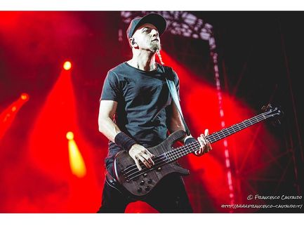 Shavo Odadjian (System of a Down) e l'esibizione, a distanza, con i Sepultura: video