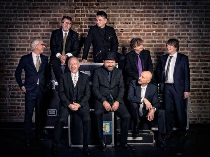 """King Crimson: ascolta la cover di """"Heroes"""" di Bowie dal nuovo EP live - AUDIO"""