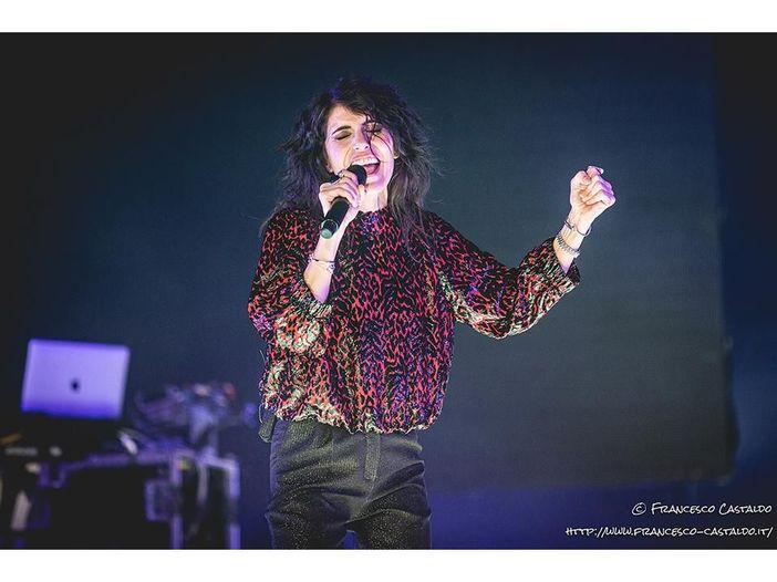 Gocce di memoria al Forum: Giorgia in concerto a Milano – RECENSIONE, SCALETTA E FOTOGALLERY