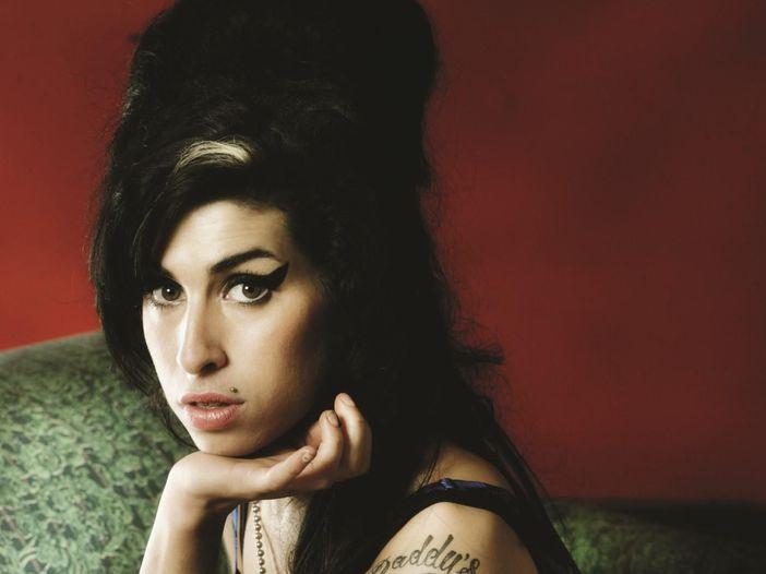 Alla fine Amy Winehouse parla: l'album esce in gennaio