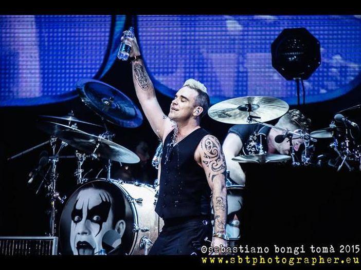 Robbie Williams: sabato 12 novembre ospite di TIMmusic con un'intervista speciale
