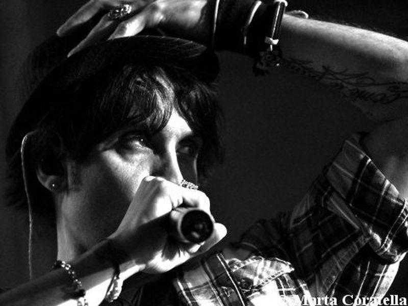 19 Novembre 2010 - Atlantico Live - Roma - Fabrizio Moro in concerto