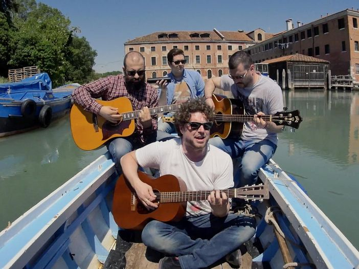 Indiemood sessions: GoodbyeVisa nei canali di Venezia - VIDEO