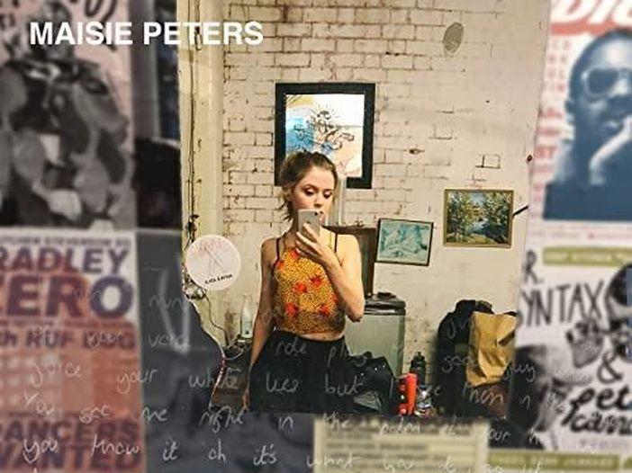 Chi è Maisie Peters, talento firmato da Ed Sheeran