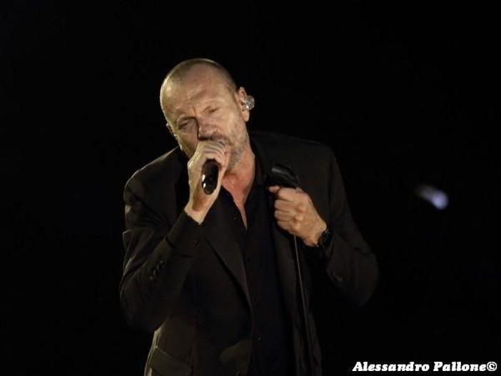 Biagio Antonacci annuncia una serie di concerti in teatro