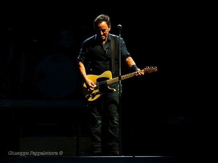Concerti, Elton John, Eddie Vedder e Neil Young celebrano Bruce Springsteen