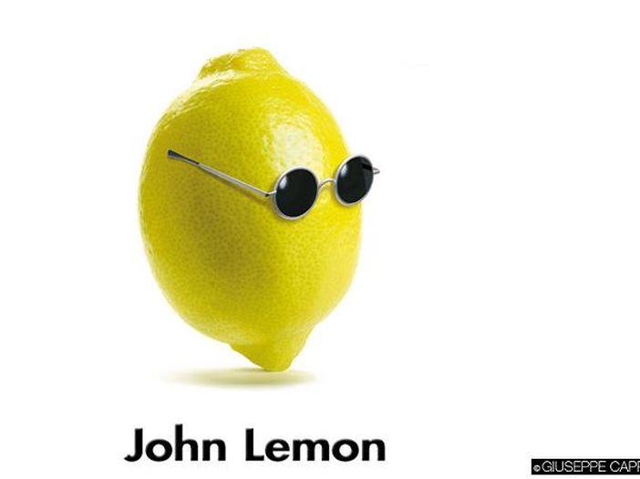 Yoko Ono fa causa: la bibita John Lemon costretta a cambiare nome