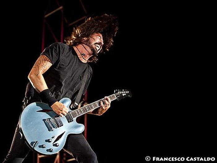 Foo Fighters: una nuova canzone, dal vivo. Ecco 'Lah di dah' - VIDEO