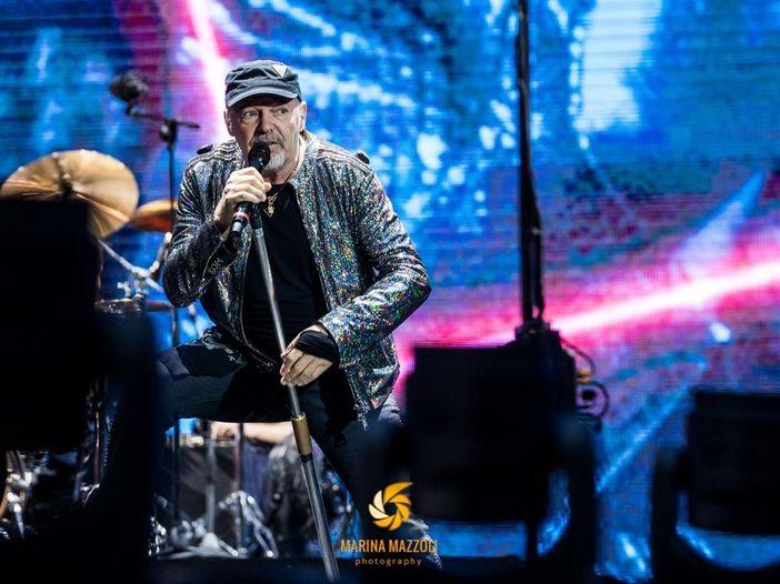 Vasco Rossi porta una fan malata a un suo concerto a Cagliari