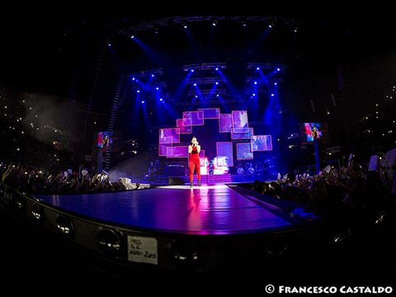 20 novembre 2013 - MediolanumForum - Assago (Mi) - Emma Marrone in concerto