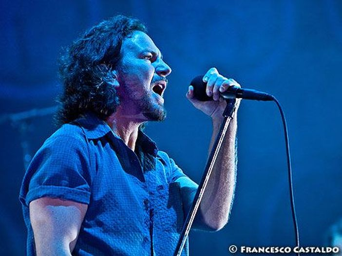 Guarda i Pearl Jam suonare 'Rockin' In The Free World' di Neil Young con Chad Smith e Josh Klinghoffer dei Red Hot Chili Peppers - VIDEO