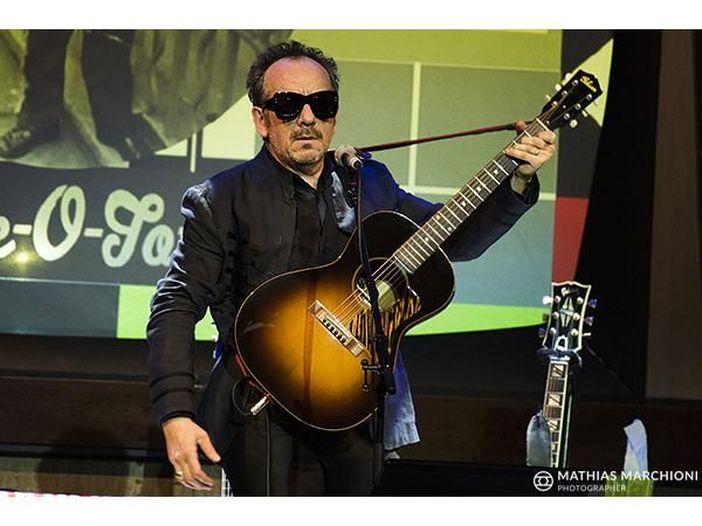 Elvis Costello diventa 'Ufficiale dell'Ordine dell'Impero Britannico'