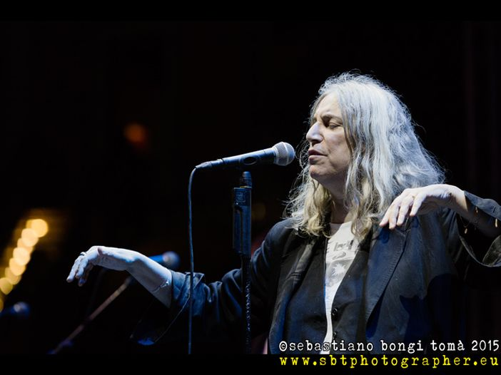 "Buon week end da Rockol con… Patti Smith, ""Because The Night"""