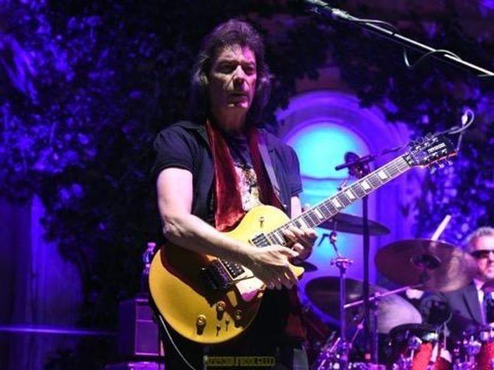 """Concerti, Steve Hackett: quattro live in Italia a maggio. Eseguirà per intero """"Selling England by the Pound"""" dei Genesis"""
