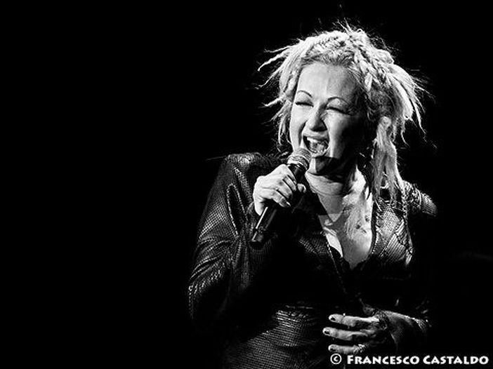 Cyndi Lauper duetta con Marilyn Manson e altri a Los Angeles: video