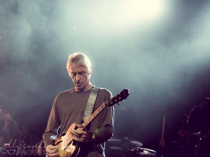 Paul Weller annuncia l'uscita del nuovo album. Ascolta il singolo 'Cosmic Fringes'