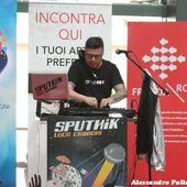 """13 giugno 2018 - Centro Commerciale Freccia Rossa - Brescia - Luca Carboni presenta l'album """"Sputnik"""""""