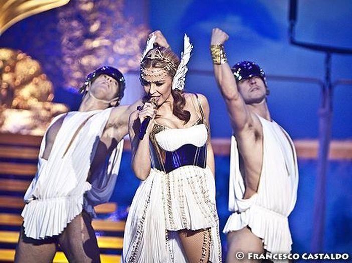 Kylie Minogue al 'maglietta party' dopo il concerto di Milano