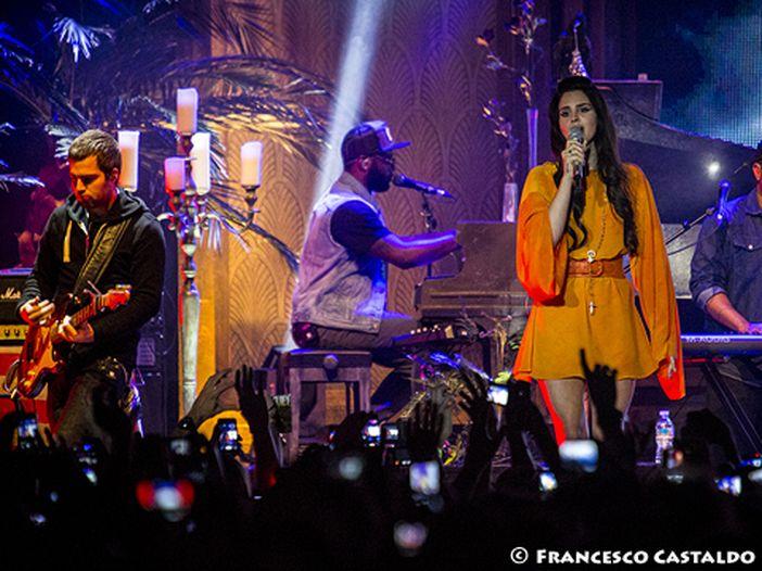 Lana Del Rey condivide un frammento di 'Honeymoon' - ASCOLTA