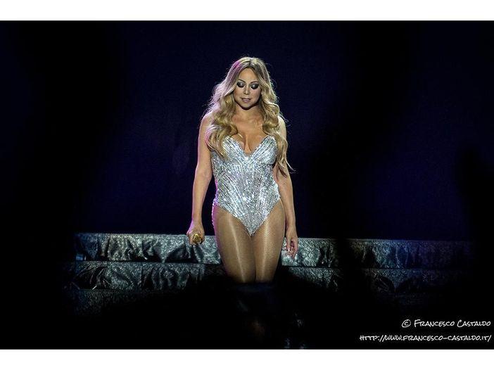 Ex-assistente denuncia Mariah Carey per molestie
