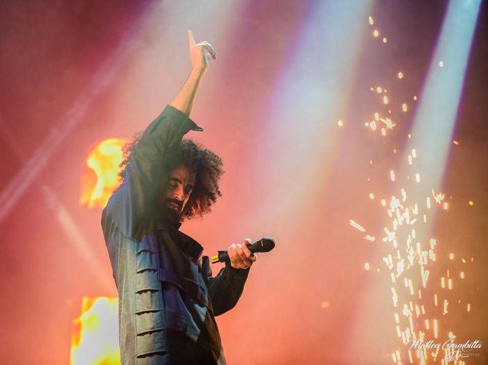 Caparezza ha la chiave per un grande show: la recensione del concerto di Milano
