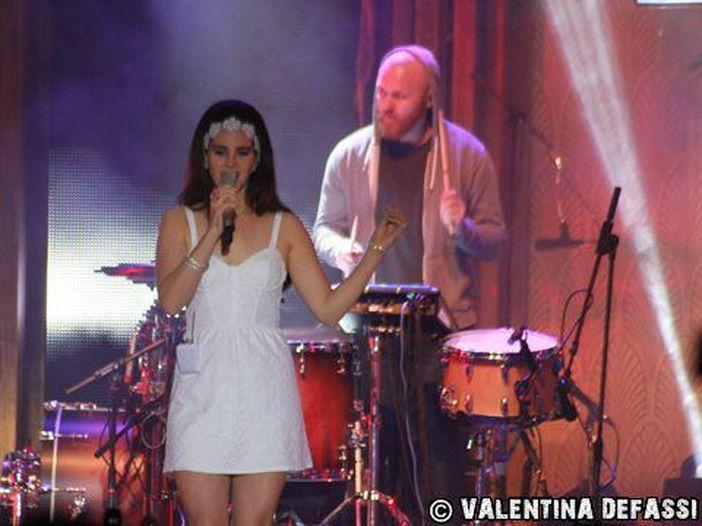 Concerti, Lana Del Rey: spostata al Mediolanum Forum di Assago la data milanese
