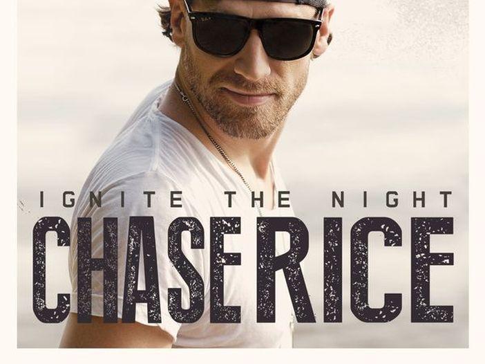 USA, Chase Rice sfida il Covid: concerto per mille persone senza mascherine e distanziamento