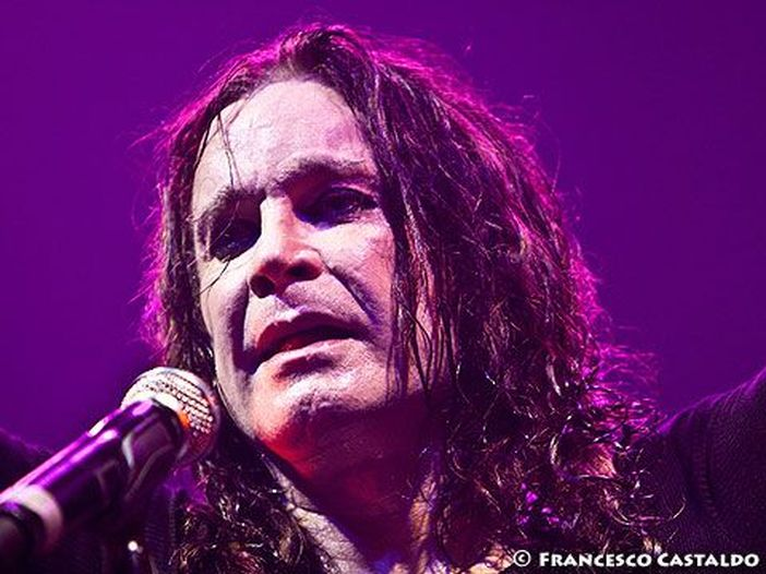 Ozzy Osbourne non migliora, l'ex Black Sabbath è stato ricoverato in ospedale