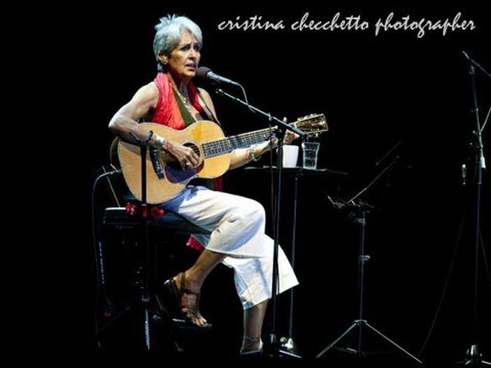 """Joan Baez: a marzo un nuovo album, """"Whistle down the wind"""", TRACKLIST. ASCOLTA"""