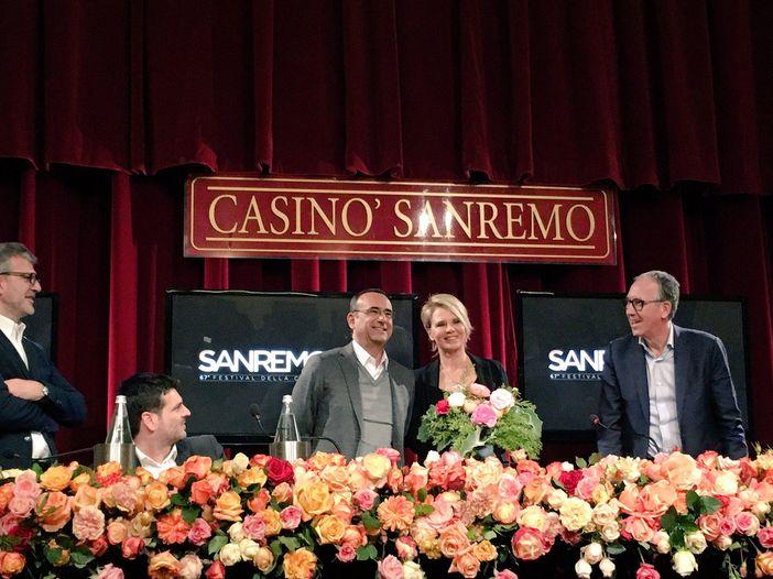 Sanremo 2017, le varie ed eventuali di sabato 14 gennaio: la proposta piccante di Naike Rivelli, il no di Maria De Filippi ai cambi d'abito