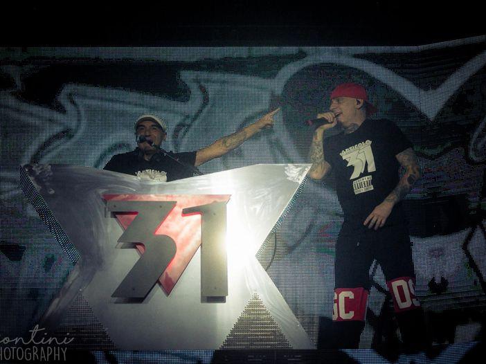 J-Ax in tour con Dj Jad anche d'estate (per festeggiare gli Articolo 31): l'annuncio sui social