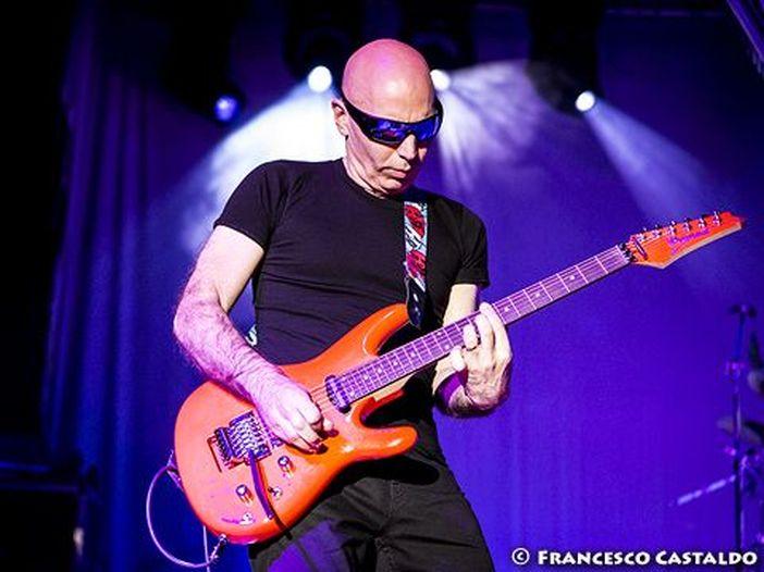 Parla il guitar hero Joe Satriani: 'Con la chitarra fatico di più rispetto a Steve Vai o John Petrucci'