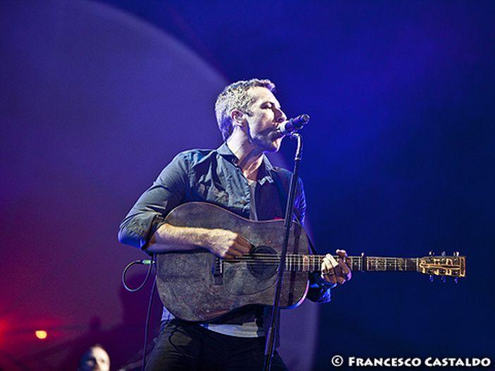 Classifiche UK, boom dei Coldplay: quasi 200.000 copie nella prima settimana