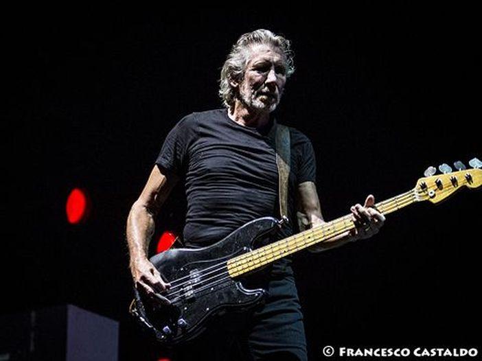 Roger Waters: guarda alcune clip live inedite dal suo 'Us + Them tour' - VIDEO