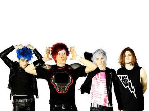 dARI, sul Web un nuovo brano: guarda il video di 'Solo punk rock'